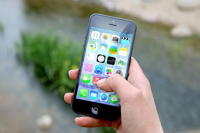 aplikácie v smartphone.jpg