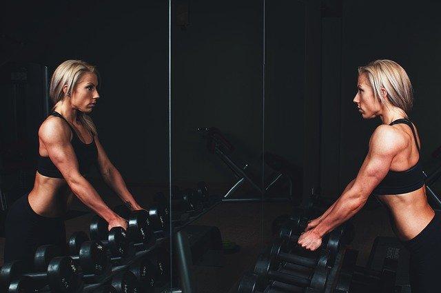 cvičící žena.jpg